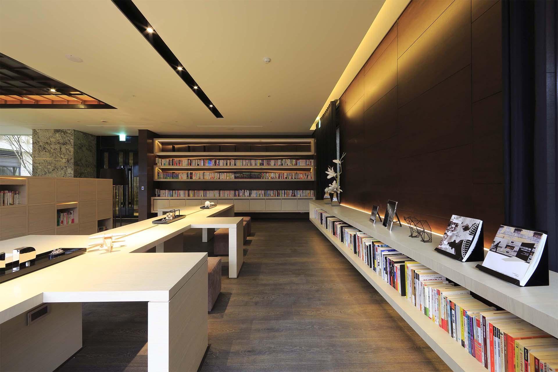 冠徳中研圖書館1