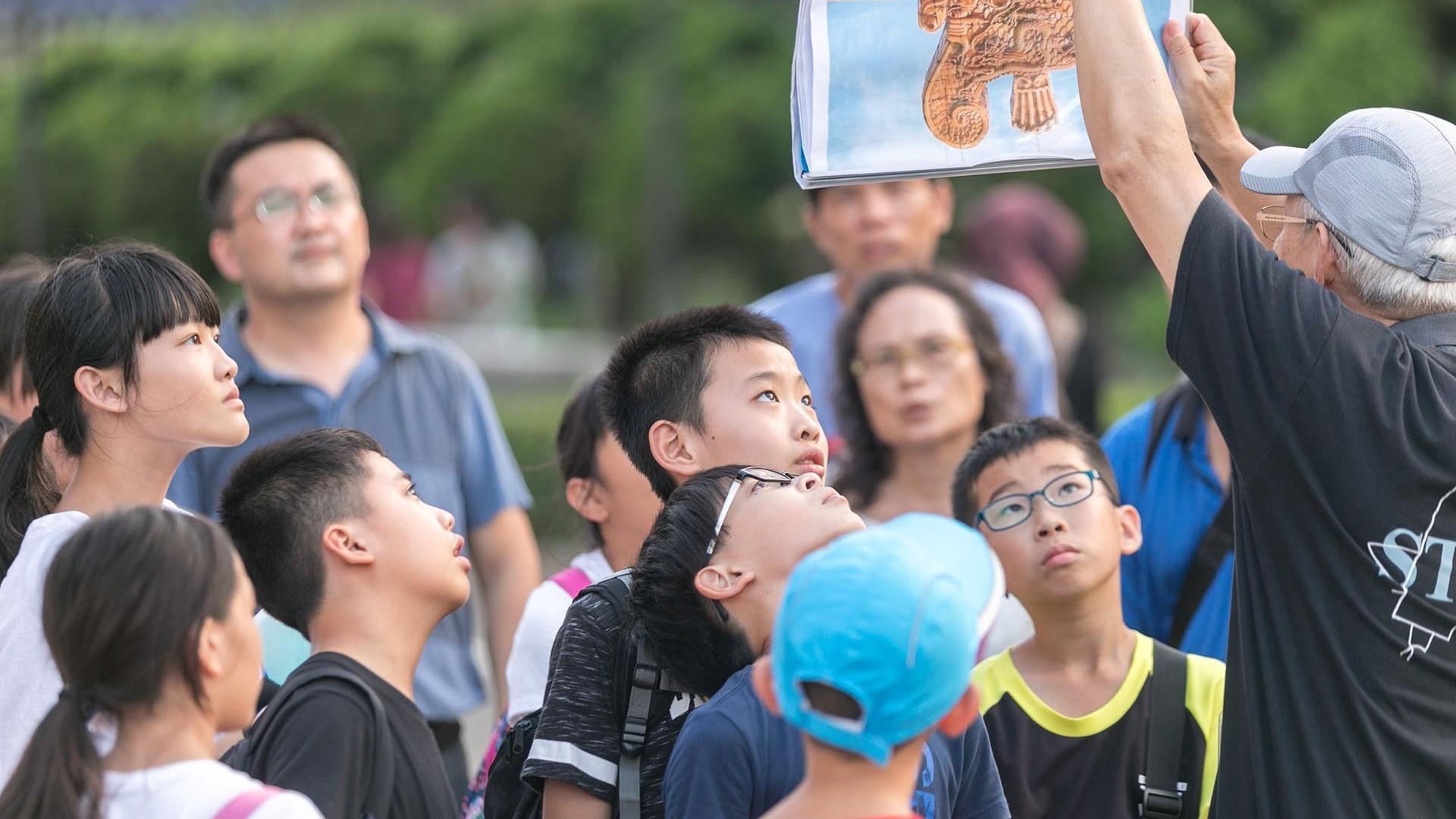 利奇馬颱風也擋不住孩子們渴望接觸表演藝術的熱情。