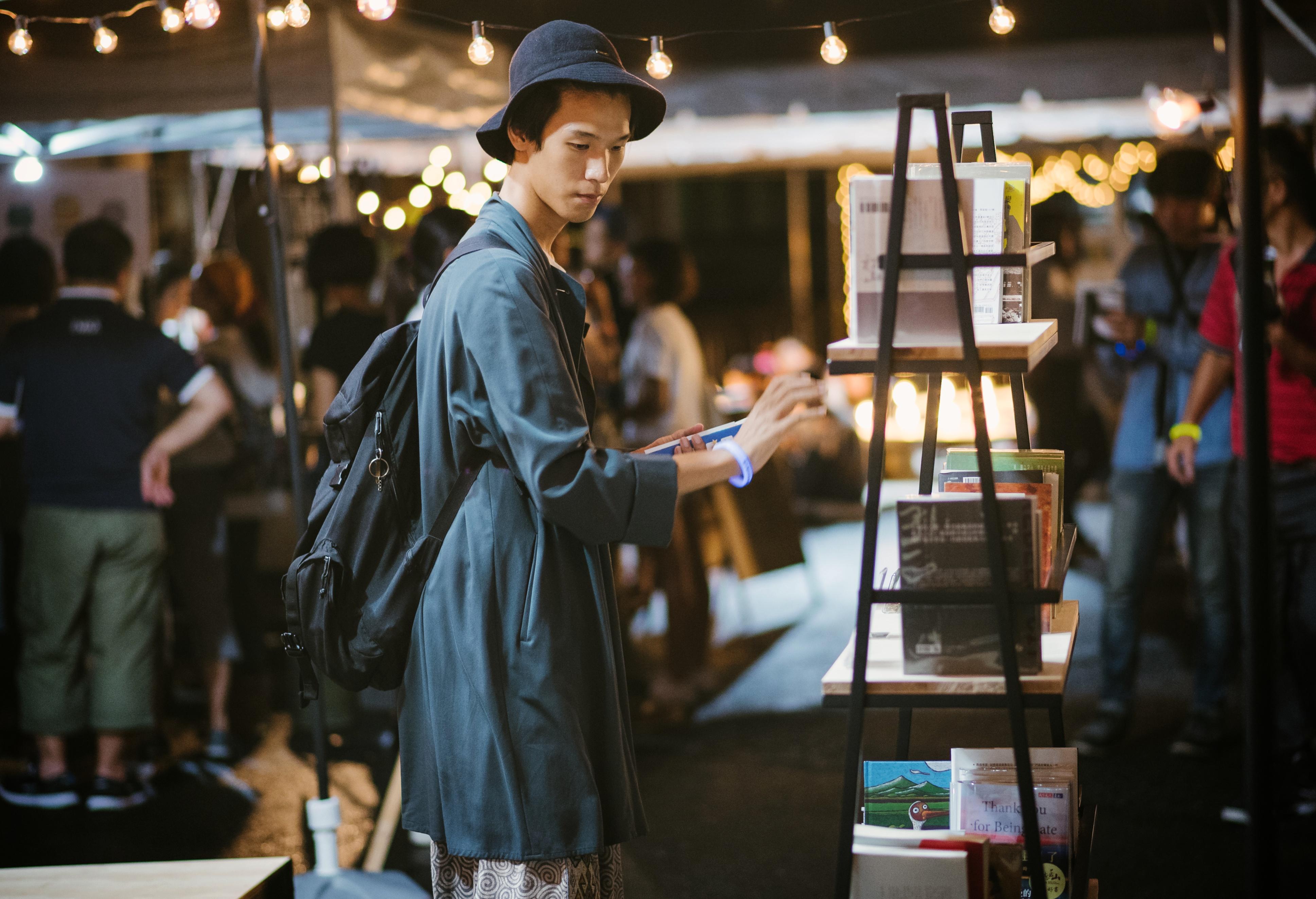 活動現場提供書店及說書人聯合推薦的書及供翻閱。