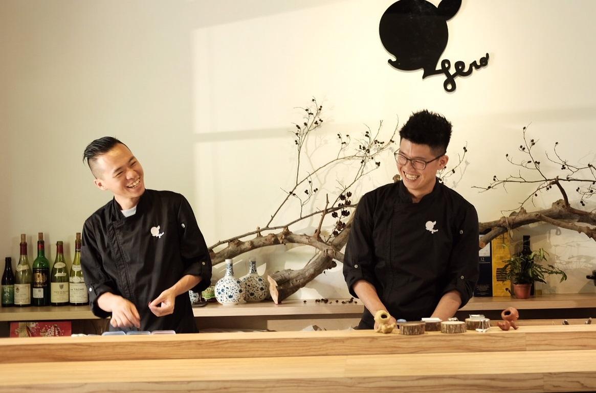 英雄餐廳的靈魂人物:蕭淳元(左)、林凱維(右)。